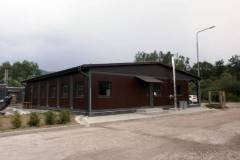 komercna-budova-mnisek-nad-hnilcom-2