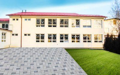 Škola Viničné