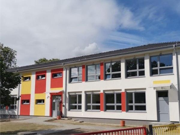 montované školy a škôlky